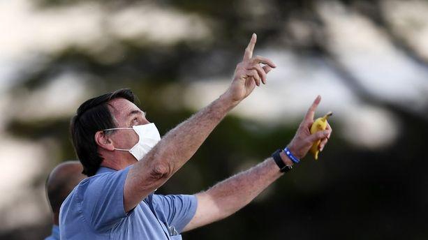 Brésil: après Jair Bolsonaro, la première dame positive au coronavirus
