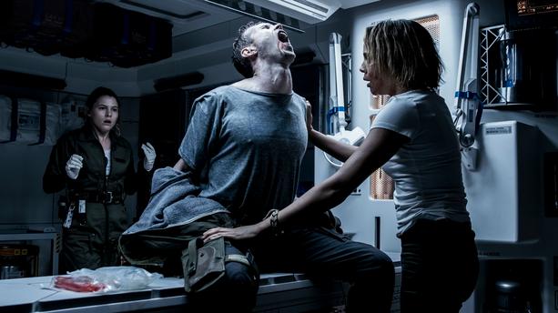 "Ni chef d'oeuvre, ni nanar, cet ""Alien : Covenant"" ne fait pas injure à la saga"