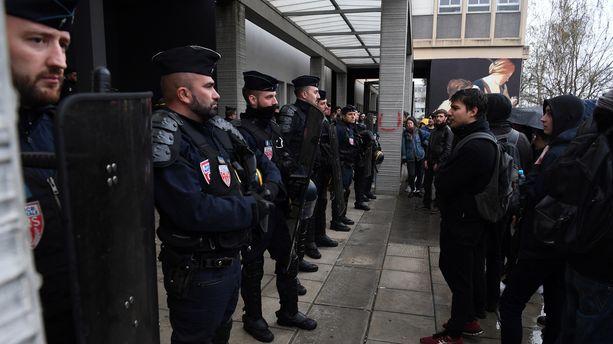 Intervention de la police à la fac de Nanterre