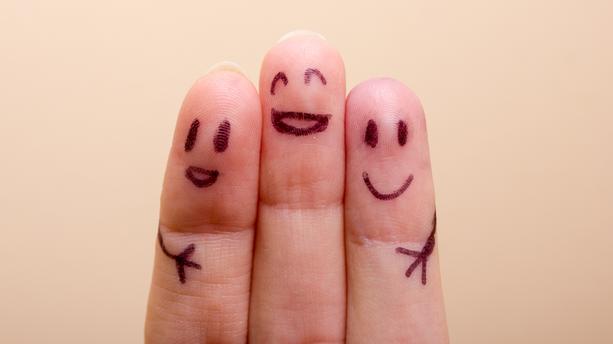 Un mystère enfin résolu — Craquements de doigts