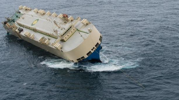 "Modern Express : la tentative de remorquage du cargo est un ""succès"""