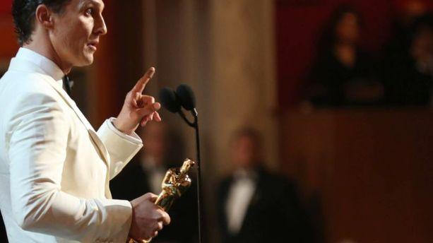 Oscars 2014 : Matthew McConaughey remercie Dieu et sa famille