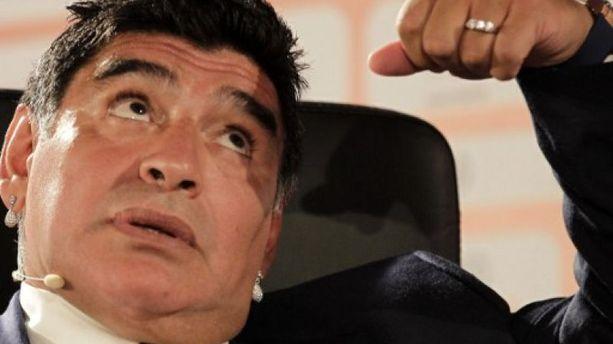 Maradona se voit vice-président de la Fifa et salit Platini