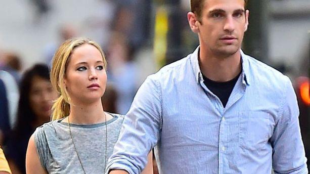 Jennifer Lawrence : son garde du corps sexy lui vole la vedette