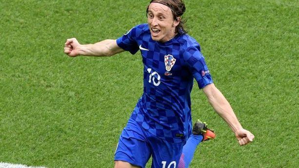 VIDÉO - Turquie - Croatie : la jolie reprise de volée de Luka Modric