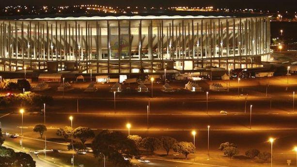 Le stade Mane Garrincha payé dans 1000 ans !