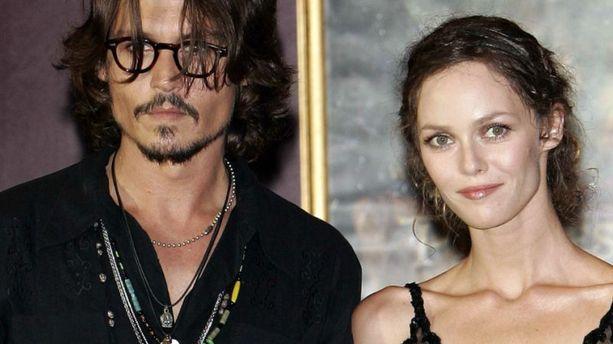 Johnny Depp aime Vanessa Paradis ''pour toujours''