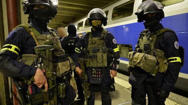 "RAID, BRI et GIGN à Montparnasse : ""C'est à qui aura la plus grosse !"""