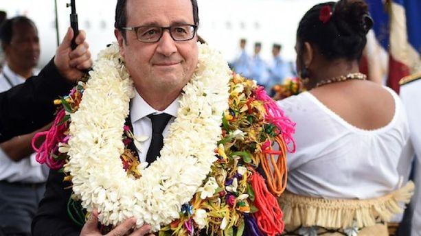 Hollande en Polynésie : d'où vient la tradition du collier de fleurs ?
