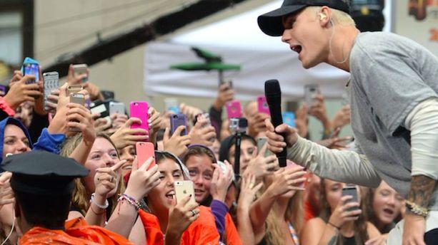 """NRJ Music Awards 2015"" : la Bieber mania enflamme la Croisette"