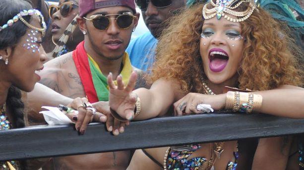 PHOTOS - Rihanna et Lewis Hamilton, bouillants au carnaval de la Barbade