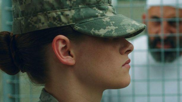 "Sundance 2014 : Kristen Stewart gardienne à Guantanamo dans ""Camp X-Ray"""