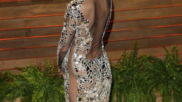 Quand Jennifer Lawrence s'affichait en robe Tom Ford... et sans culotte