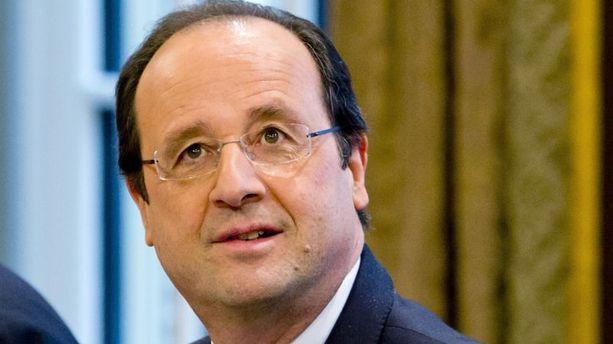 "Valérie Trierweiler ""va mieux"", selon François Hollande"