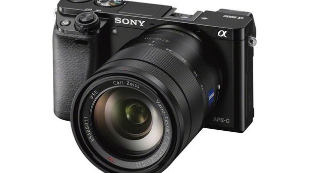 Sony Alpha 6000 : l'appareil photo hybride à autofocus ultra rapide