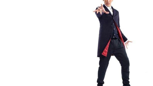 """Doctor Who"" : Peter Capaldi en habit de lumière"