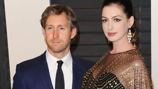 Anne Hathaway est maman d'un petit garçon prénommé Jonathan