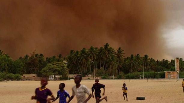 """Ouragan"" : une impressionnante plongée dans l'œil du cyclone"
