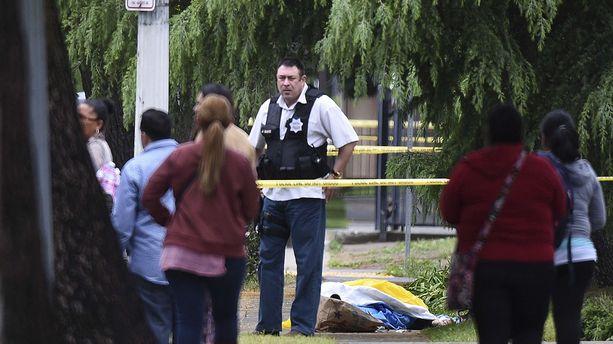 Californie : 3 morts dans une fusillade anti-Blancs ?