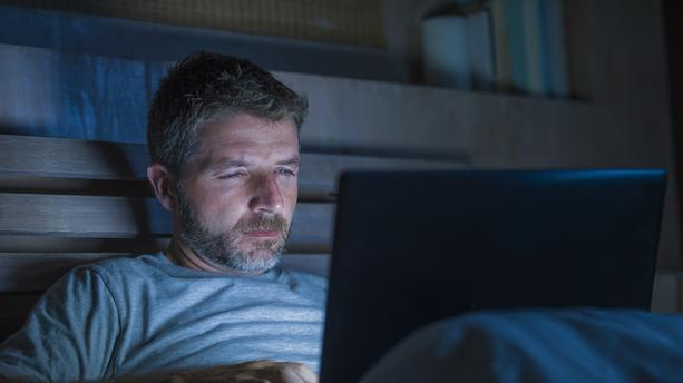 Sites porno, webcams : les consulter, est-ce vraiment tromper ?