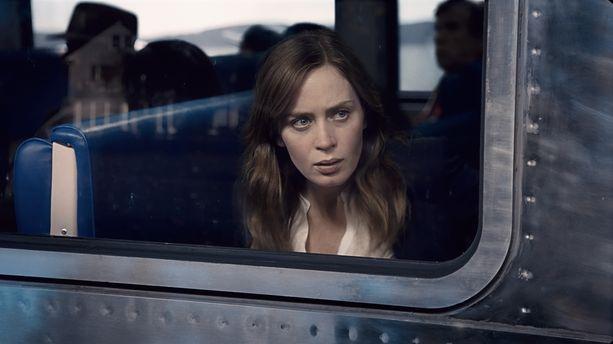 "Box office US : Emily Blunt en tête avec ""La fille du train"""