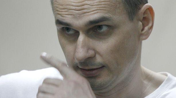 "Oleg Sentsov ""gravement éprouvé"" par sa grève de la faim, sa soeur craint sa mort"