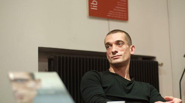Piotr Pavlenski placé en garde à vue — France