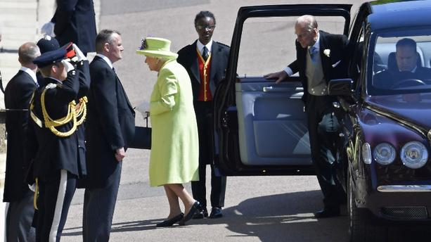 Mariage princier : la Reine Elizabeth II toute de vert anis vêtue !