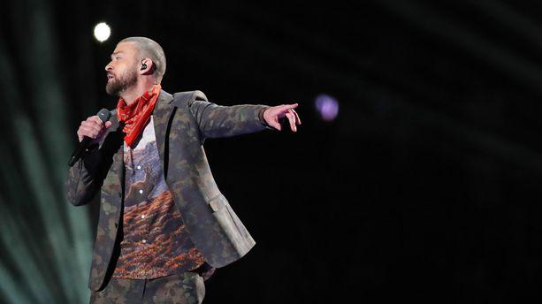 VIDÉO - Super Bowl 2018 : le show de Justin Timberlake culmine avec un duo virtuel avec Prince