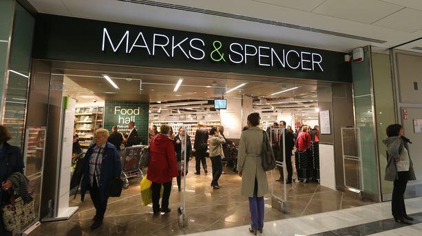 Marks & Spencer va fermer sept magasins en France, 500 emplois menacés