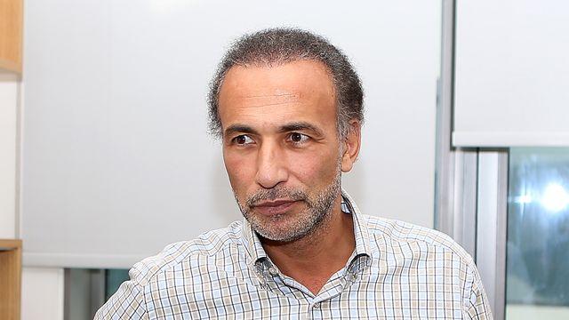 Affaibli, Tariq Ramadan contraint de se rendre au tribunal en ambulance